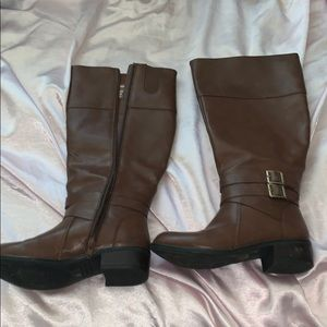 Size 6 brown riding boots